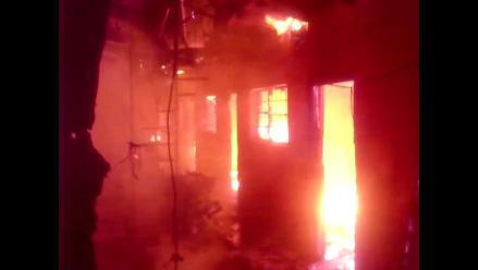 Ayacucho: en solo minutos voraz incendio consumió hospedaje