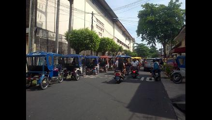 WhatsApp: mototaxis generan congestión vehicular en Iquitos
