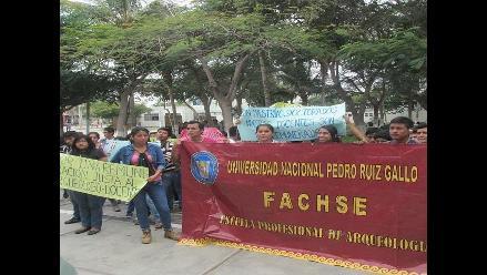 Chiclayo: alumnos de arqueología de UNPRG temen perder el ciclo
