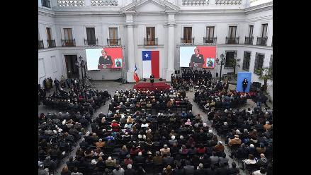 Chilenos homenajean a Salvador Allende tras 42 años del golpe militar