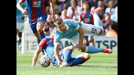 Manchester City: Brutal patada lesiona al 'Kun' Agüero en la Premier League