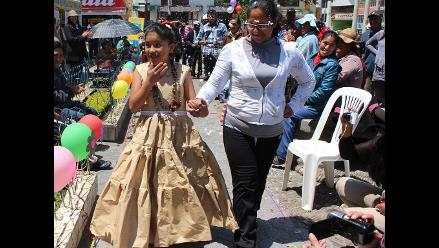Huancayo: niños del Omaped desfilan con ropas de material reciclado