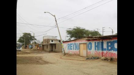 WhatsApp: poste sostenido por cables representa un peligro en caserío de Piura
