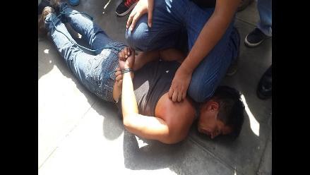 Chiclayo: pobladores capturan a arrebatador y lo golpean