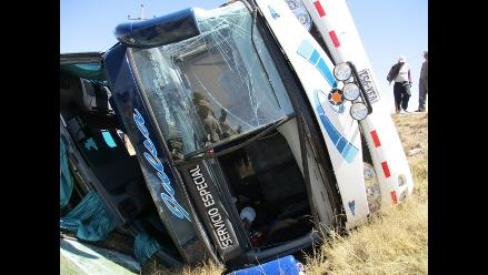 Puno: 23 heridos dejó choque entre bus interprovincial y camión