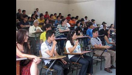 Arequipa: jóvenes con vocación de maestros podrán obtener becas integrales