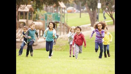 Hacer ejercicio al aire libre puede reducir la miopía en niños