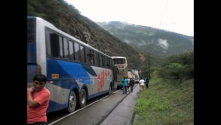 Pasco: pobladores restringen el tránsito por la Carretera Central