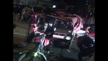 Chiclayo: destrozan mototaxi de arrebatadores de carteras