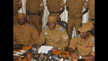 Liberan al presidente de Burkina Faso retenido por los golpistas