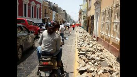 Trujillo: cambio de veredas obstaculiza caos vehicular y peatonal