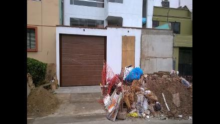WhatsApp: desmonte lleva meses en los exteriores de construcción en Ate