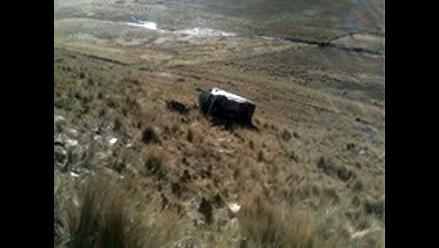 Áncash: despiste y vuelco de camioneta deja dos muertos