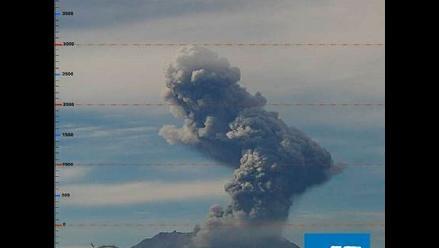 Explosión en el volcán Ubinas pone en alerta a pobladores