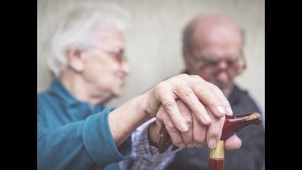 Antiinflamatorio podría tratar síntomas de demencia y alzhéimer