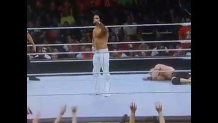 WWE: Seth Rollins dirigió las olas de los aficionados en Night of Champions
