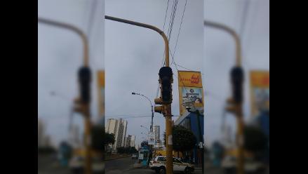 WhatsApp: semáforo inoperativo en avenida es un riesgo en Jesús María