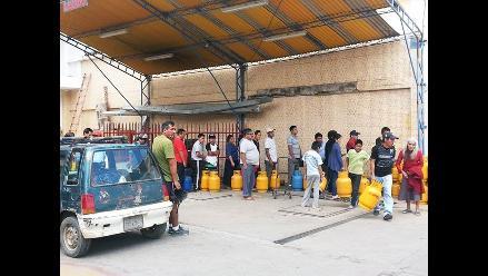 Huánuco: griferos continúan con huelga indefinida por falta de combustible