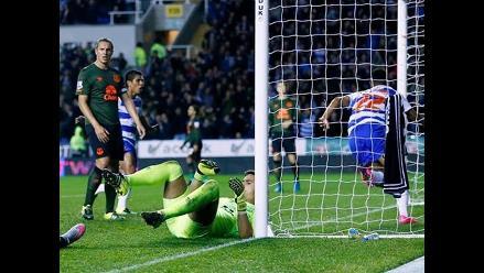 Paolo Hurtado titular en Reading que perdió 2-1 con Everton por la Capital One Cup