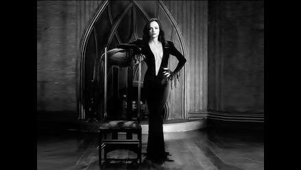 Mira a Christina Ricci convertida en una sexy Morticia Addams