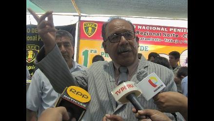 Chiclayo: firman memorial y denuncian abusos de jefe regional del INPE