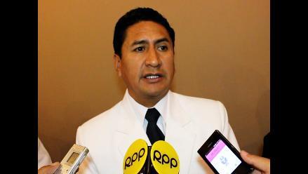 Cerrón se lanza a la presidencia y asegura que nunca se reunió con MBL
