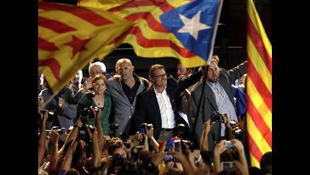 Cataluña: Los nacionalistas ganan los comicios sin mayoría absoluta