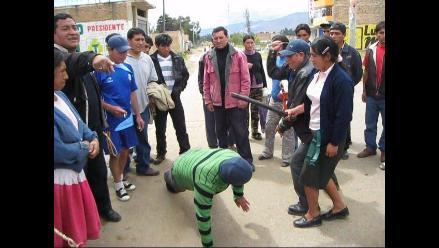 La Libertad: ronderos expulsan a dos falsos curanderos de Patáz