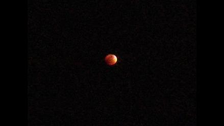 Más imágenes de la Luna Roja que se observó en Perú