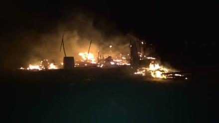 Nuevo Chimbote: incendio consume 12 ranchos tras corto circuito