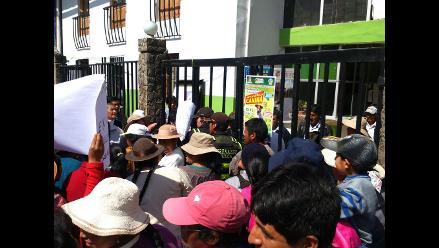 Huancayo: pobladores protestan por obra paralizada desde el año pasado
