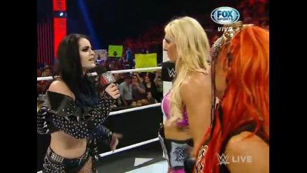 WWE: Paige traicionó a su equipo y provocó batalla campal en Raw