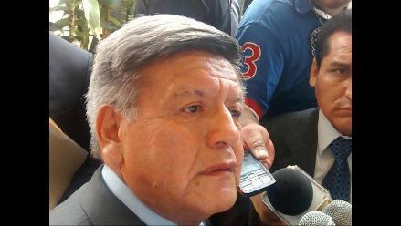 Alcalde acuñista dice que César Acuña debe cumplir con su gestión