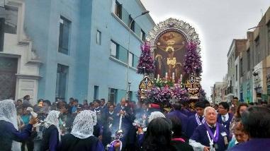 Señor de los Milagros: Fervor en primera procesión en Trujillo