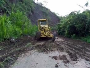 Moyobamba: rehabilitan caminos vecinales en margen izquierda del río Mayo