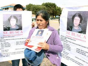 Puno: familiares y compañeros hacen vigilia por joven desaparecido