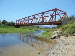 Piura: culmina mantenimiento de puentes peatonales y vehiculares