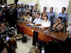 Indonesia: pierden contacto con avión civil con 13 personas a bordo