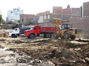 Trujillo: cavan zanjas de 2 metros en donde se construirá futura avenida