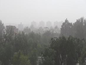 Arequipa: fuertes vientos en Cayma provocan caída de muro en vivienda