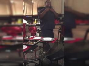 YouTube: Conmovedora reacción de un hombre al saber que será padre