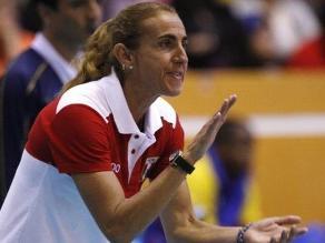 Facebook: Natalia Málaga apoyó a la Teletón jugando una 'pichanga'