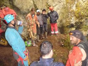 Indeci brinda asistencia técnica para rescate de espeleólogo polaco