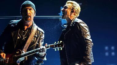 U2: Bono dedicó show en España a su madre y a los refugiados