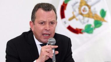 Ministro de Defensa comparecerá ante el Congreso por ascensos en las FF.AA
