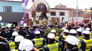 Huancayo: Señor de los Milagros realiza primer recorrido procesional