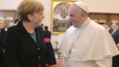 El papa y Merkel entre los favoritos al Nobel de la Paz