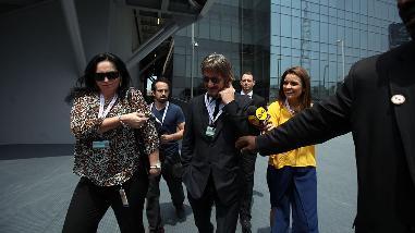 Sean Penn en Lima: así fue su llegada a la Junta de Gobernadores