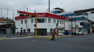 Chimbote: Multan a empresa de telefonía por pegar propaganda en postes