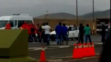 Transportistas agreden a personal de SUTRAN en Ancón